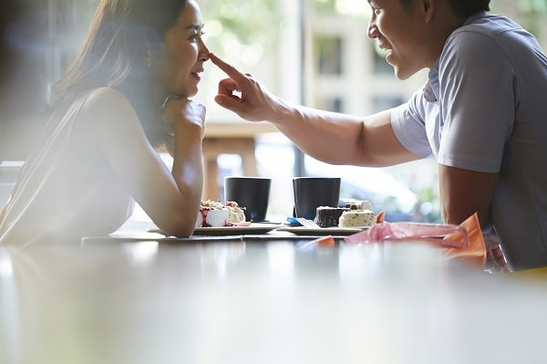 恋愛結婚を目指す楽しそうなカップル